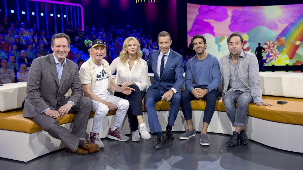 Prominente unter sich (v.l.) Eckart von Hirschhausen, Otto Walkes, Veronica Ferres, Kai Pflaume, Elyas M´Barek und Jan Josef Liefers.