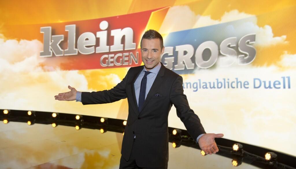 """Kai Pflaume moderiert """"Klein gegen Groß"""" in der ARD"""