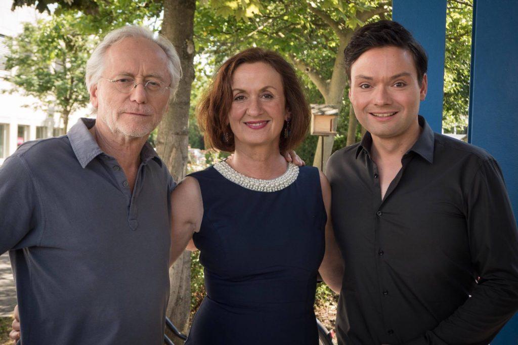 "Folge 8: Irene Fischer als ""Anna Ziegler"" & Joachim H. Luger als ""Hans Beimer"""