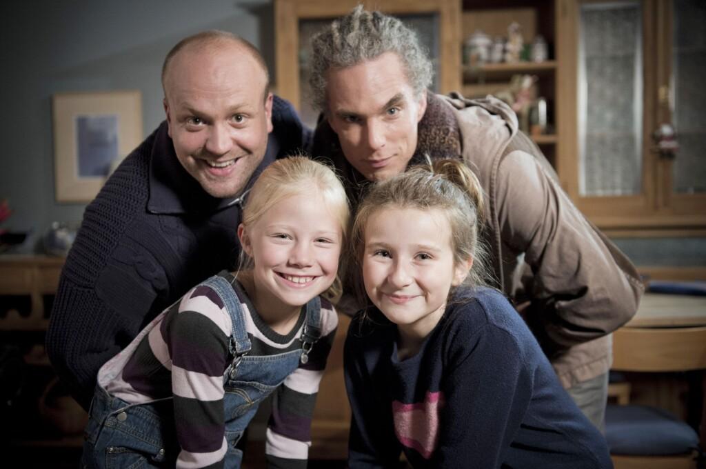Bunter Familienmix aus Serien-Vätern und Serien-Töchtern (v.l.): Moritz A. Sachs, Moritz Zielke, Trixi Janson und Kathanrina W.
