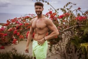 Love Island 2021 - Granate Christian