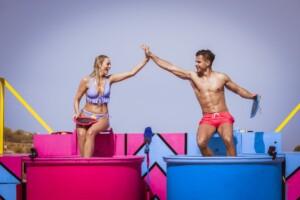 """Love Island 2021 Tag 17 - Nicole und Dennis bei der Challenge """"Liebestunken"""""""