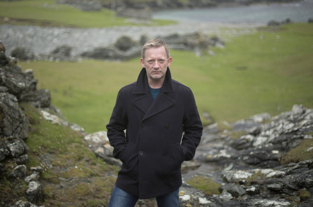 Erneut ermittelt Detective Inspector Jimmy Perez (Douglas Henshall) auf den Shetland-Inseln.