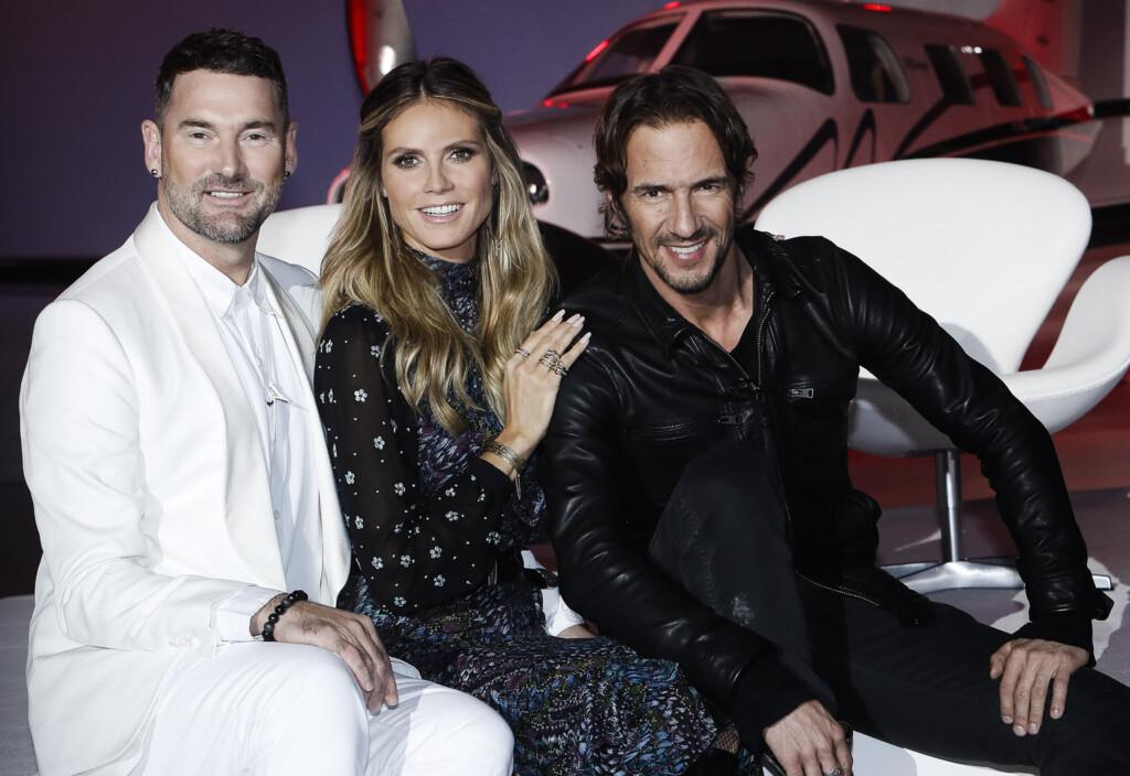 "Heidi Klum (M.) sucht mit Michael Michalsky (l.) und Thomas Hayo (r.) nach ""Germany's next Topmodel"" 2017."