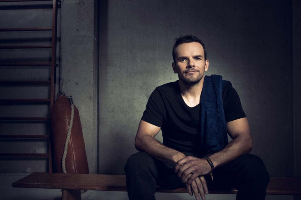 Im wohl härtesten TV-Duell Deutschlands kämpft Star-Koch Steffen Henssler gegen seinen Gegner um mindestens 250.000 Euro.