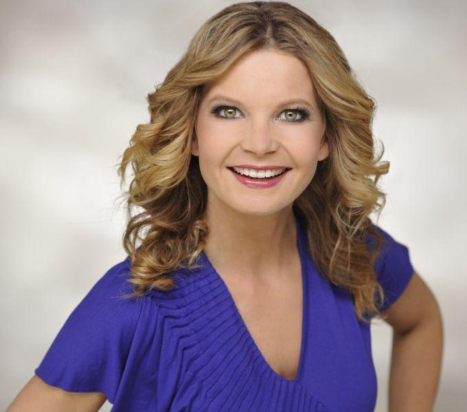 Eva Imhof moderiert das Wetter bei RTL