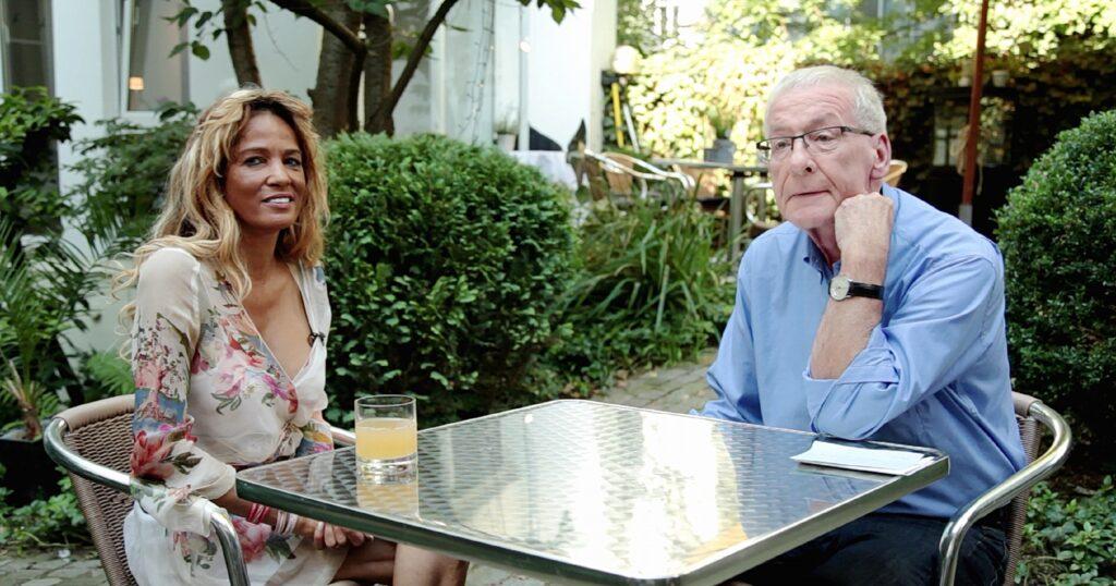 Schuldnerberater Peter Zwegat trifft auf Nadja Abd el Farrag, die ganz unten angekommen scheint. Sie hat keine nennenswerten Einnahmen, ist wohnungslos, hat Schulden und sie ist auch perspektivenlos.