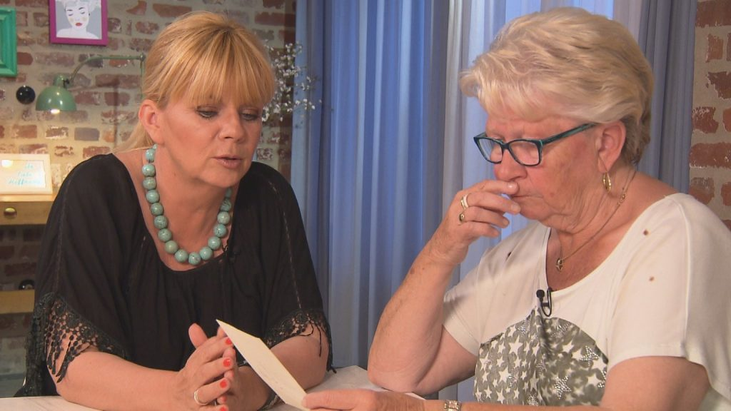 (v.l.n.r.) Julia Leischik und Ursula, die ihren Sohn Frank sucht.