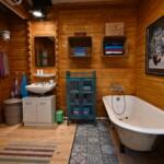 Big Brother 2020 - Das Badezimmer im Blockhaus