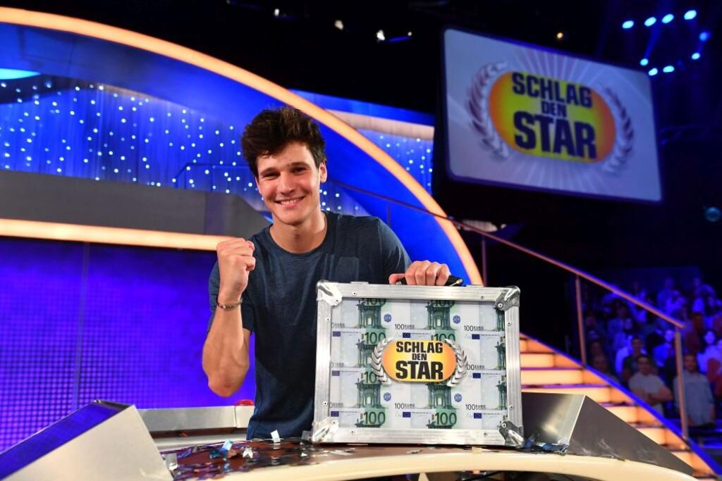 """Wincent Weiss gewinnt gegen Edin Hasanovic bei """"Schlag den Star""""."""
