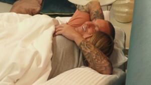 Love Island 2021 Tag 10 - Martin und Andrina kuscheln im Bett