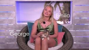 Love Island 2021 Tag 11 - Emilia mit Villa-Katze George