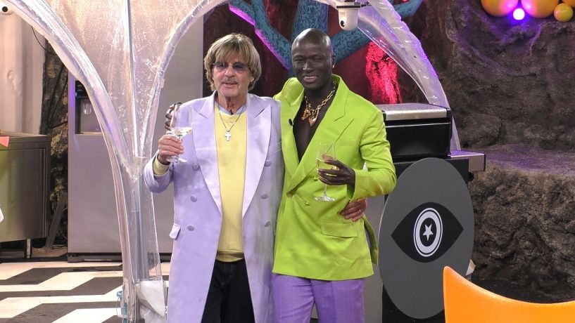 Promi Big Brother 2021 - Jörg (li.) und Papis haben Spaß.