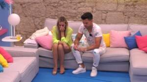 Love Island 2021 Halbfinale - Heftiger Streit bei Dennis und Nicole