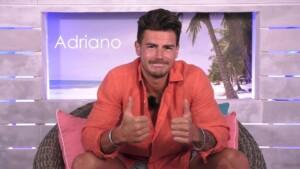 Love Island 2021 Tag 7 - Adriano bewertet den Kuss mit Bianca positiv