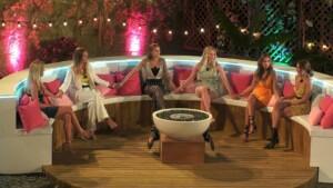 Love Island 2021 Tag 7 - Die Mädels an der Feuerstelle