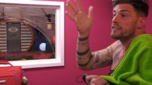 Promi Big Brother 2021 Show 7 - Pascal eckt bei Daniela an