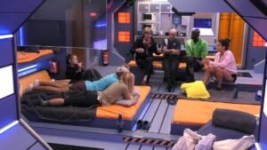 Promi Big Brother 2021 Show 8 - Papis Loveday erzählt von Rassismus und Homophobie