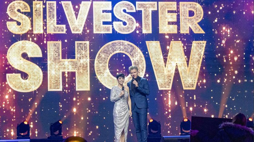 Jörg Pilawa und Francine Jordi moderieren die Silvester Show in der ARD.