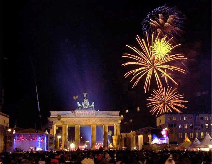 Die größte Silvesterparty Deutschlands findet auch dieses Jahr wieder in Berlin statt.