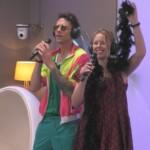 Big Brother 2020 - Pat und Rebecca schmettern einen Song zusammen