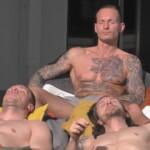 Big Brother 2020 - Philipp , Denny und René genießen die Wärme