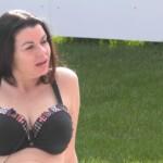 Big Brother 2020 - Cathleen nimmt ein Sonnenbad