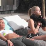 Big Brother 2020 - Michelle und Gina freuen sich über die Sonnenstrahlen