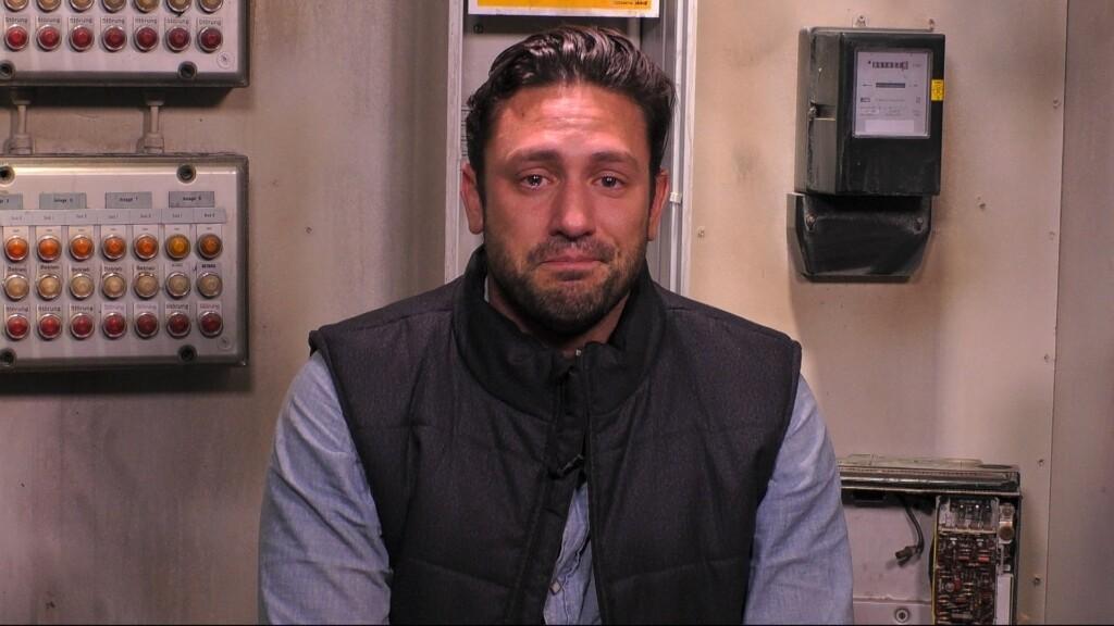Daniel Völz wird von Tränen übermannt, als er sich an seinen toten Grossvater erinnert.