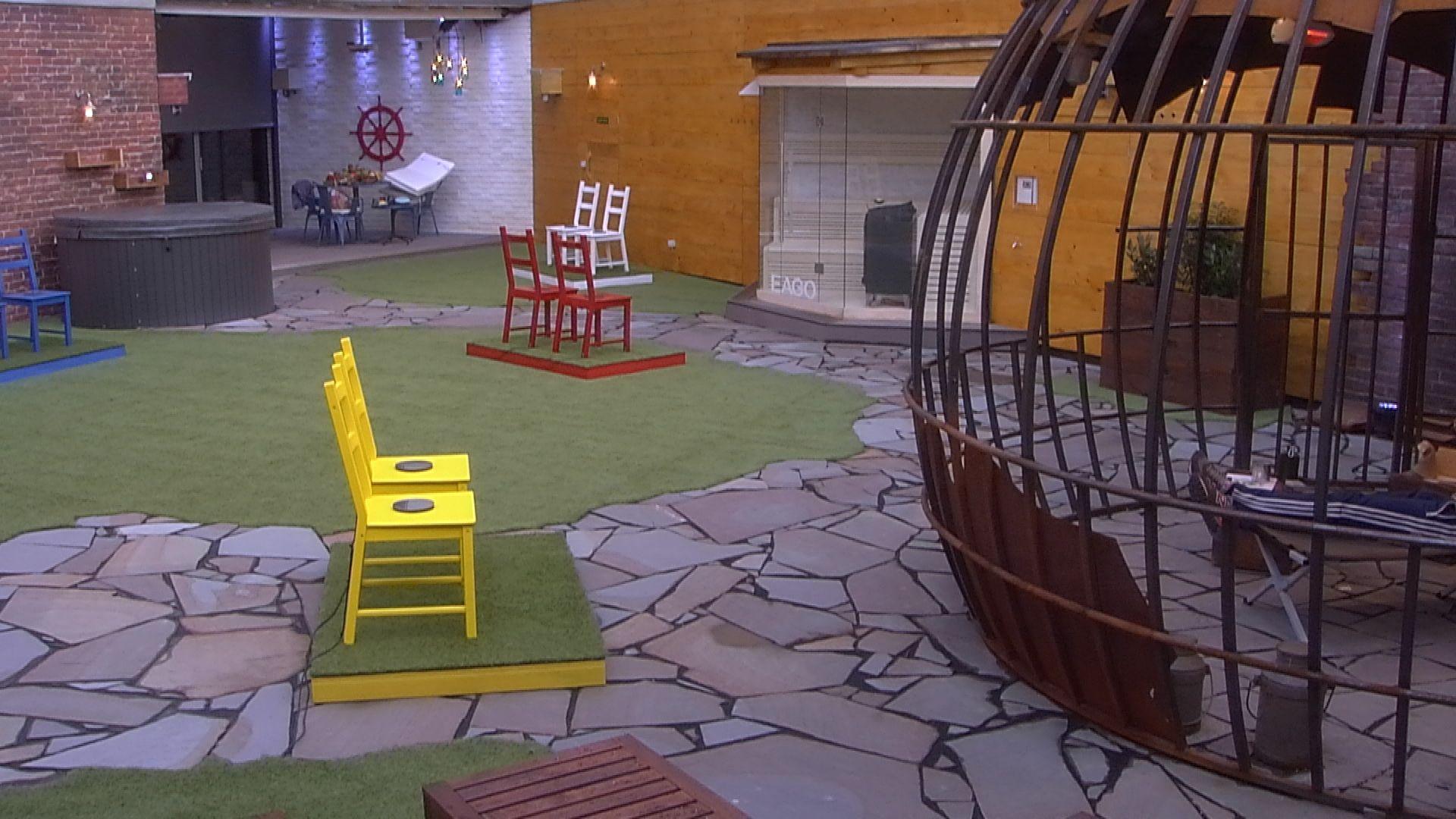 Big Brother Tag 2 Wochenaufgabe Heißer Stuhl Stars On Tv