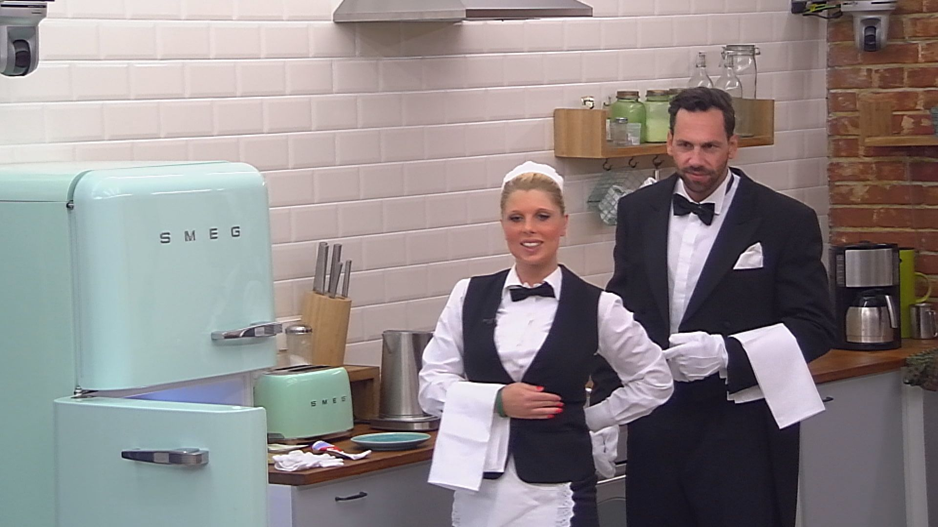 Big Brother Tag 37 - Sharon und Guido als Butler