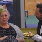 Big Brother Tag 37 – Guido füttert Asa mit Obst