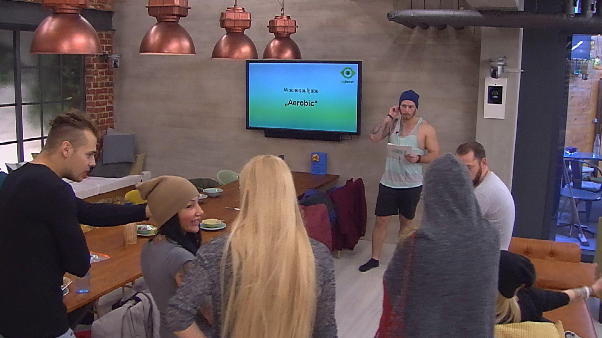 Big Brother Tag 58 - Die neue Wochenaufgabe Aerobic