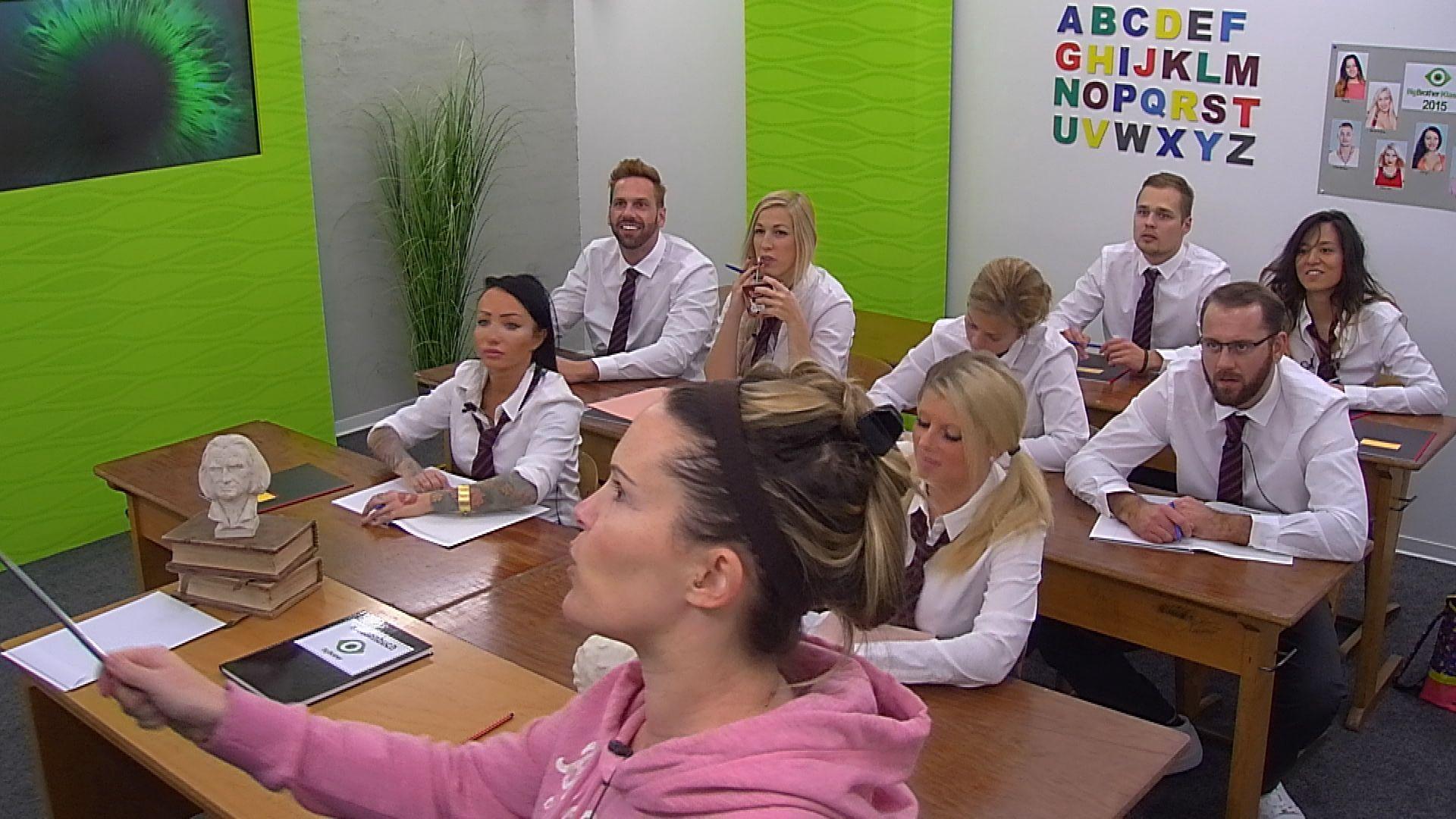 Big Brother Tag 72 - Bewohner drücken die Schulbank