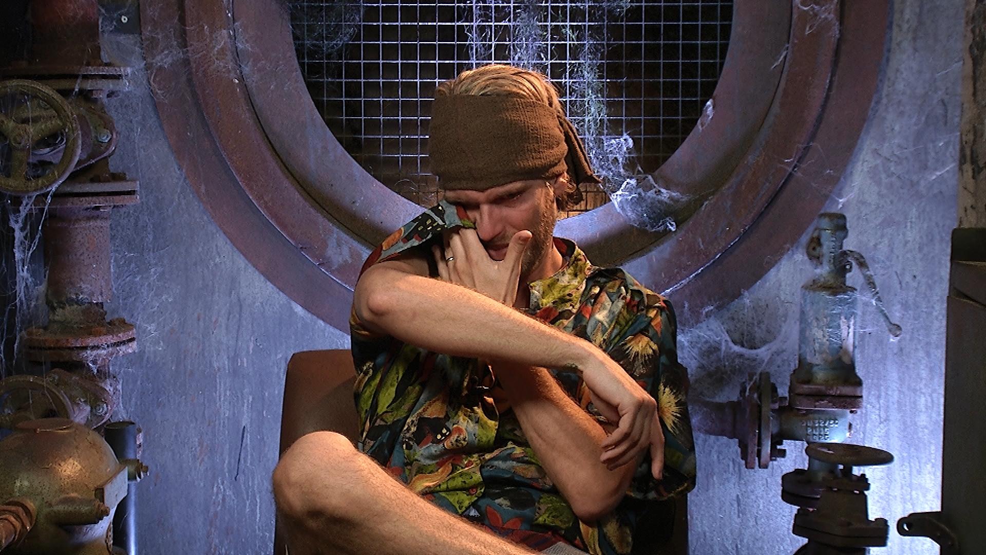 Promi Big Brother 2016 Tag 7 - Robin weint im Sprechzimmer
