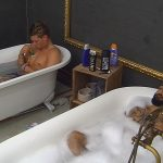 Big Brother Tag 9 - Atchi und Kevin in der Badewanne