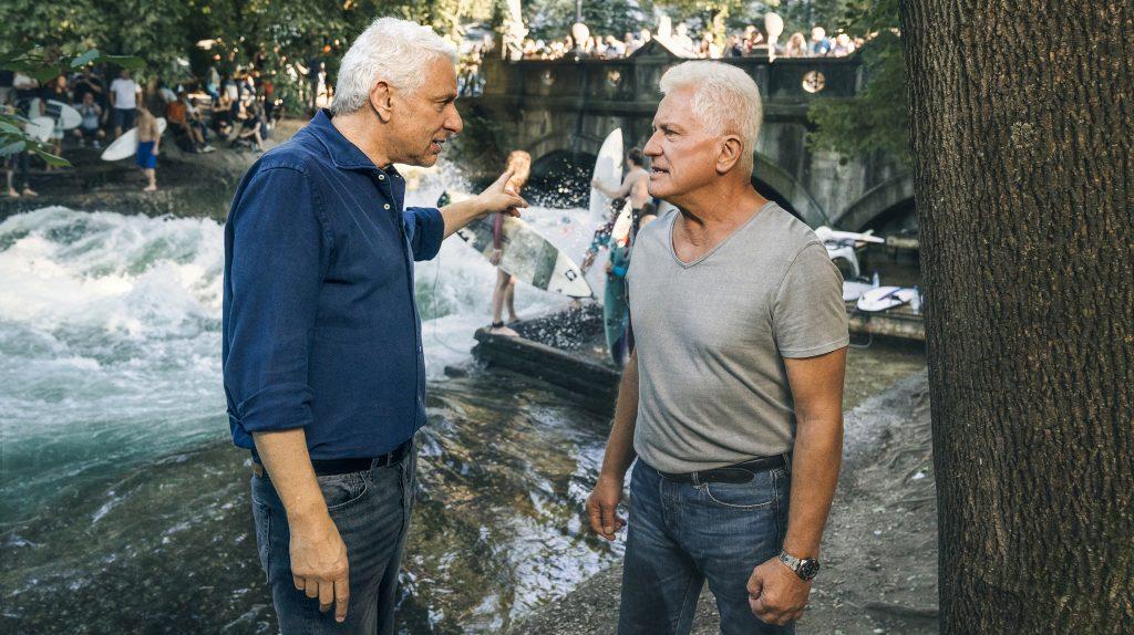 Die Kriminalhauptkommissare Franz Leitmayr (Udo Wachtveitl) und Ivo Batic (Miroslav Nemec) sind bei ihren Ermittlungen an der Eisbach-Welle nicht immer einer Meinung.