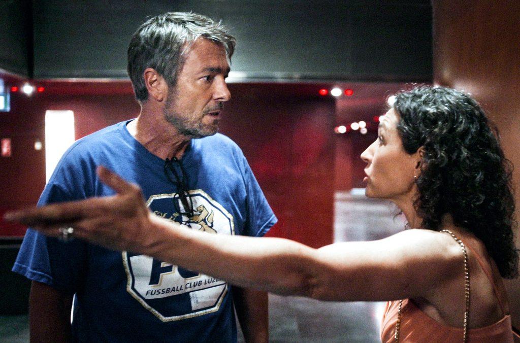 Die Nerven liegen blank: Reto Flückiger (Stefan Gubser) und Liz Ritschard (Delia Mayer) ermitteln nach einem Giftanschlag im KKL.