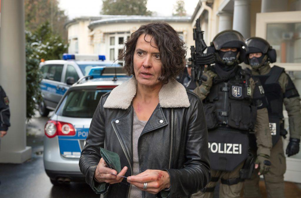 Lena Odenthal (Ulrike Folkerts) ist bei ihren Ermittlungen einem geplanten Anschlag auf die Spur gekommen.