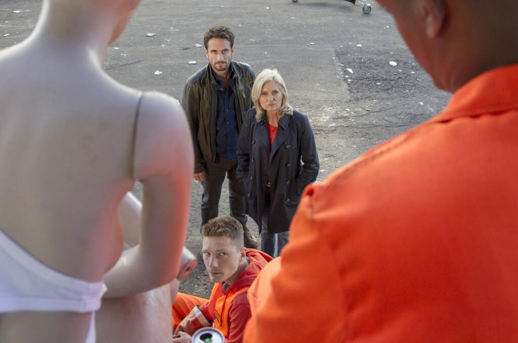 Nach dem Mord an einem Müllmann suchen Hauptkommissarin Inga Lürsen und Kommissar Stedefreund nach Zeugen.