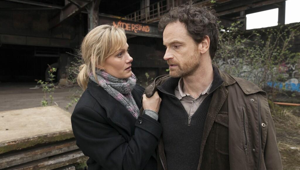 Kommissar Peter Faber (Jörg Hartmann, r) und Kommissarin Martina Bönisch (Anna Schudt, l) am Tatort.