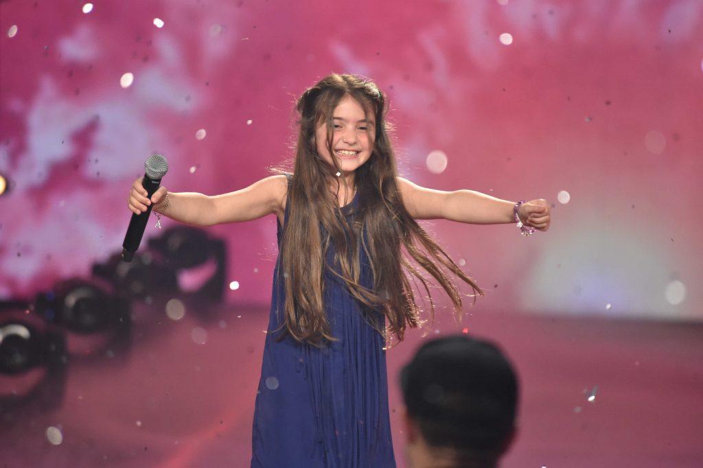 """Anisa ist die jüngste """"The Voice Kids""""-Gewinnerin aller Zeiten und eroberte die Herzen der Zuschauer im Sturm."""