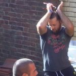 Big Brother Tag 12 – Thomas tanzt beim Grillen