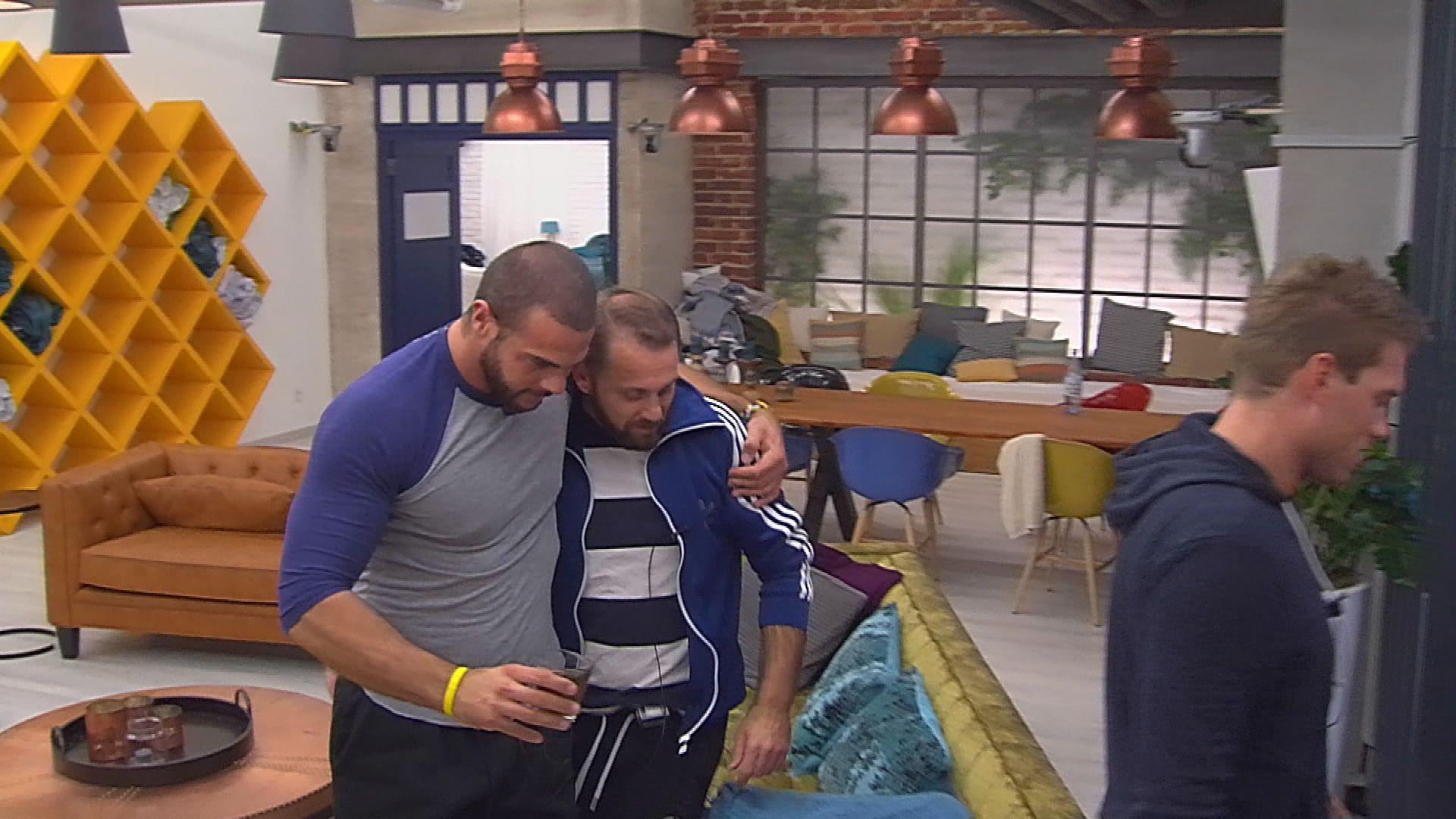 Big Brother Tag 16 - Manuel tröstet Thomas