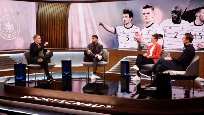 Sportschau Euro 2020 - Stefan Kuntz, Kevin-Prince Boateng, Almuth Schult und Alexander Bommes.