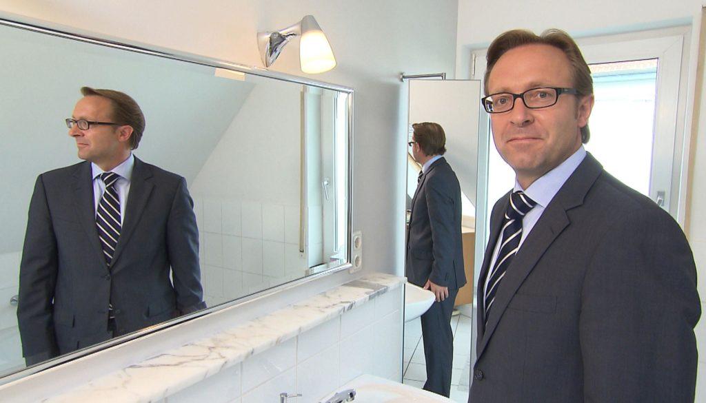 Bernd Müller (46, Foto) ist Geschäftsführer im Marketing und Vertrieb einer Großmetzgerei und wird in die Rolle des Praktikanten Dirk Schröder schlüpfen.