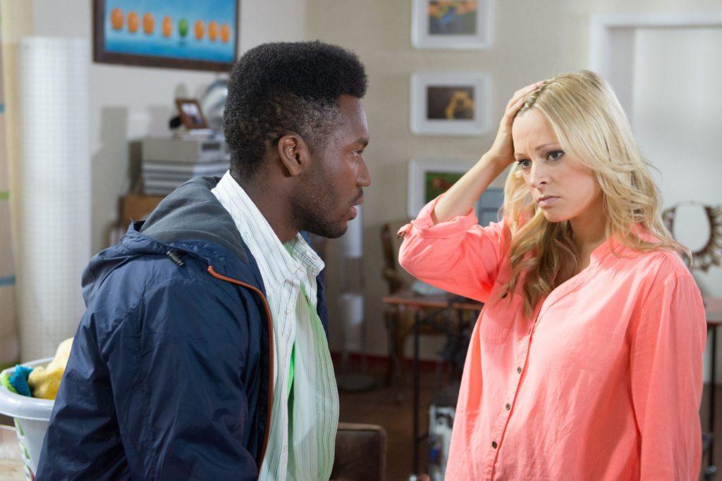 Leonie ist völlig überfordert, als John ihr gesteht, sich wieder in sie verliebt zu haben...