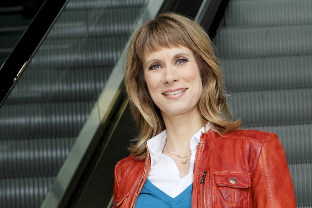 """""""Vermisst""""-Moderatorin Sandra Eckardt möchte Menschen, die durch das Schicksal getrennt wurden, helfen und reist dafür um die ganze Welt."""
