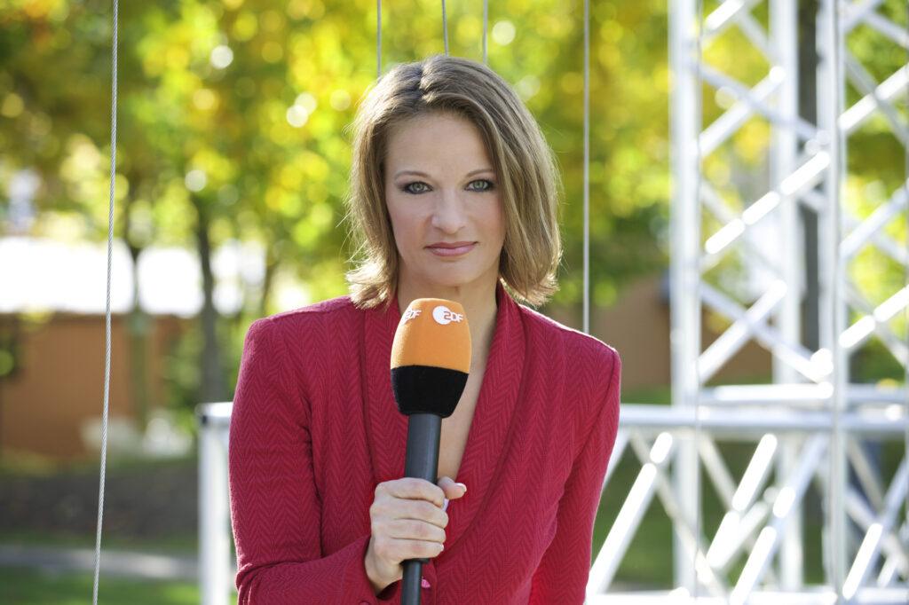 """Als Moderatorin """"Ski alpin"""" war Jana Thiel noch bei den """"ZDF SPORT extra""""-Sendungen in diesem Jahr im Einsatz."""