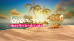 Liebeshungrige Singles verbringen den Sommer in einer Villa auf Love Island.